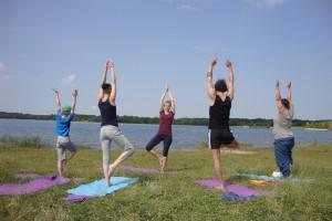 Yoga mit Carmen am Cossi