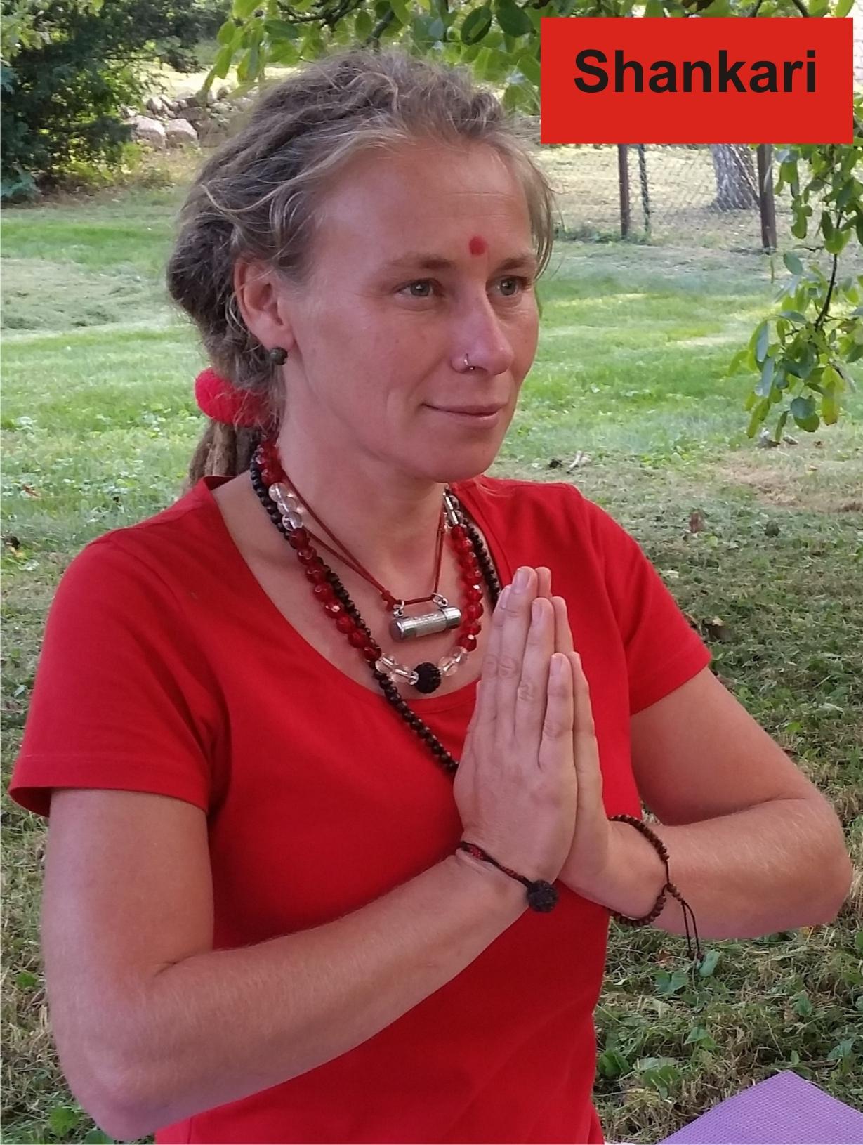 Yogalehrerin Shankari